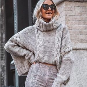 GWENDOLYN-Cowl /Turtleneck  Cable Knit
